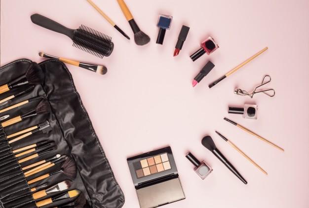 make-up-brushes_1088-842.jpg